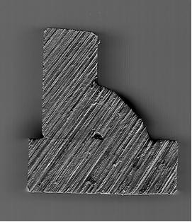Macrografía de unión en ángulo de chapa gruesa (10mm), sin desbastar, con falta de penetración en la raíz